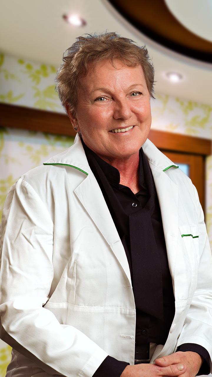 Dr. Mlinkó Éva