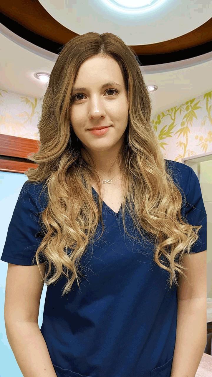 Dr. Szitár Alexandra