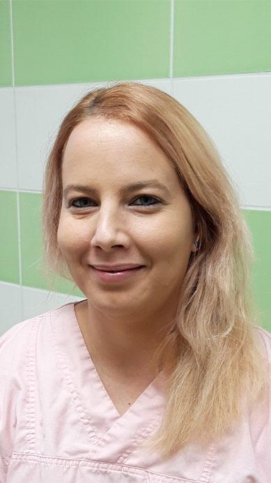 Dr. Kajdacsy Eszter